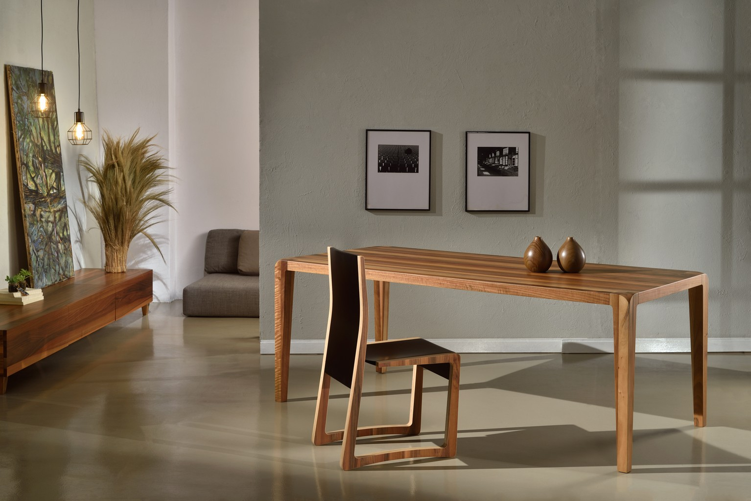 ABACUS dining table with curved legs